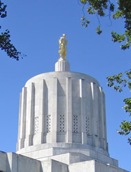 Drum and statue on Oregon capitol